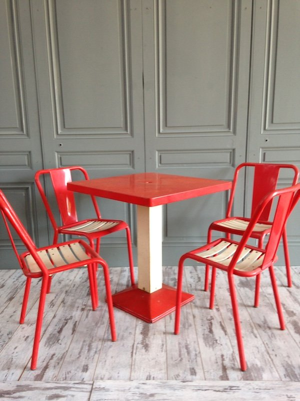Red and white dining