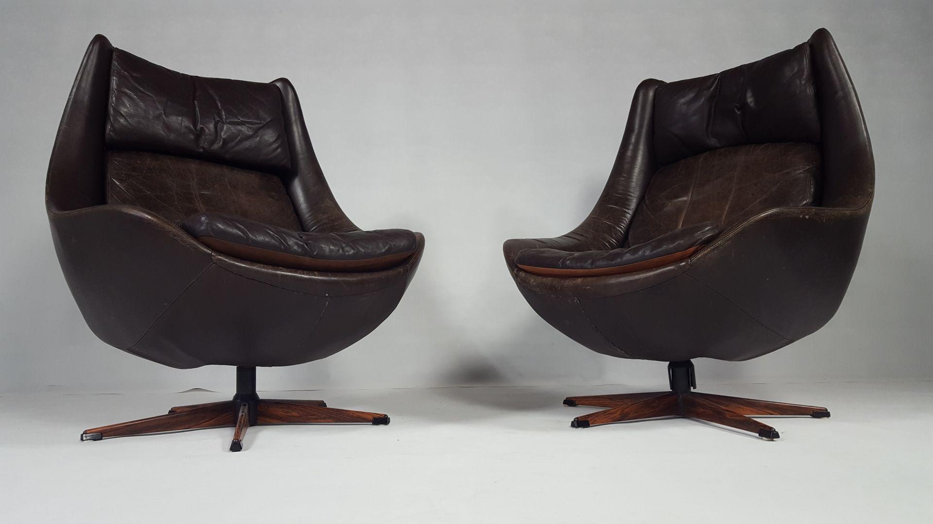 Elegant swivel club chairs