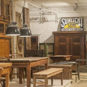 flat six – selected antiques