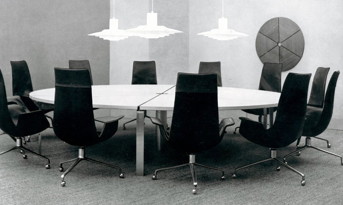Beautiful Walter Knolls Contract Furniture In The 1970s