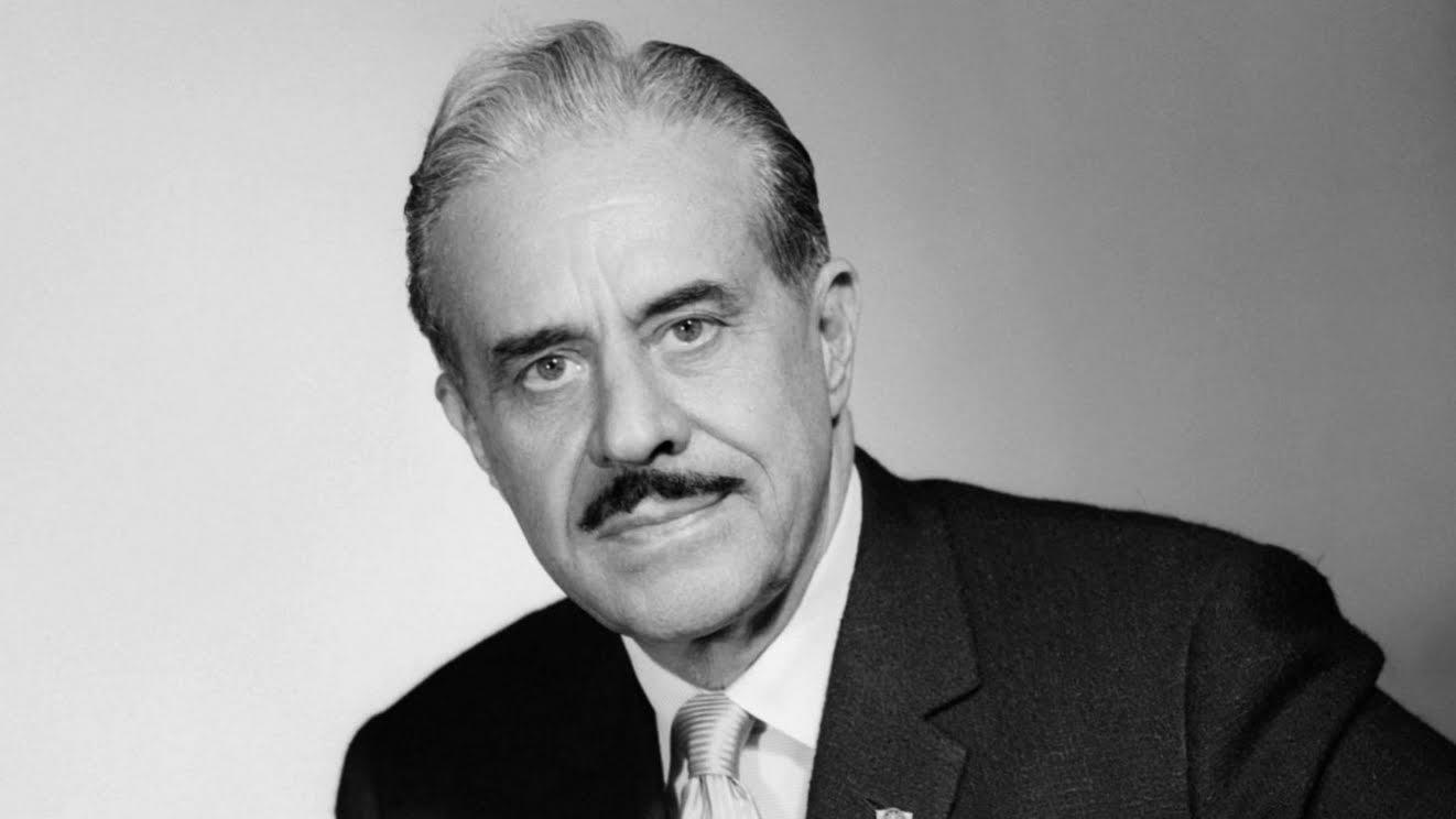 raymond loewy The role of an industrial designer is a difficult one through his knowledge of applied art, he must create a manufactured article that will appeal aesthetically to.
