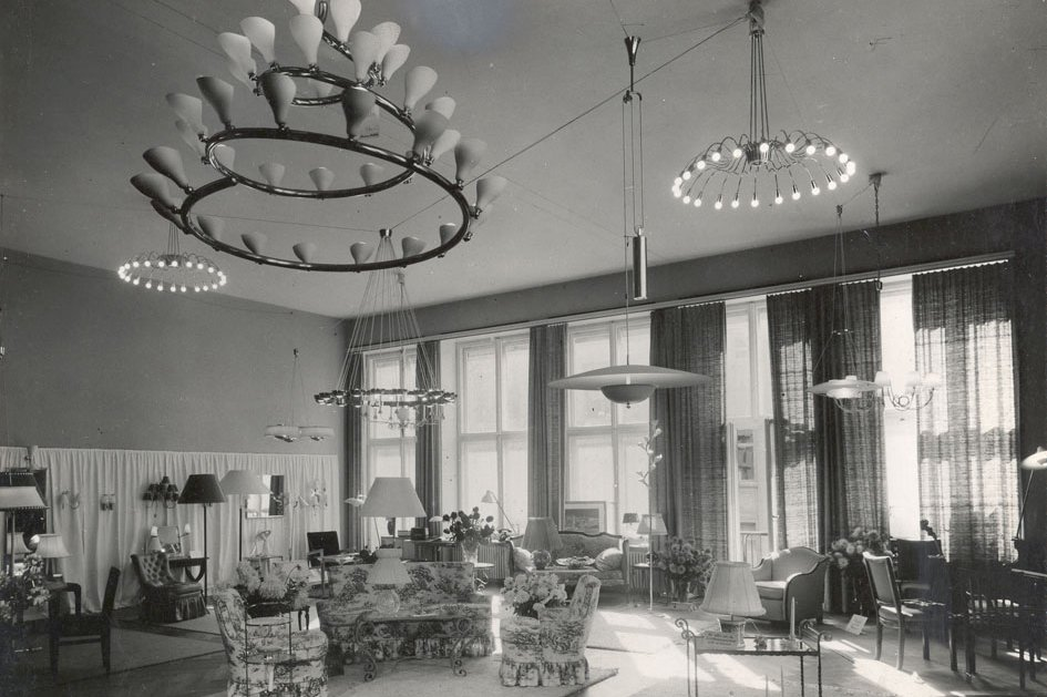 A showroom for Arteluce in Milan during the postwar period