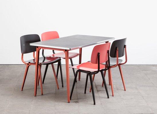 Revolt Stühle & Reform Tisch Esszimmer Set Von Friso Kramer Für