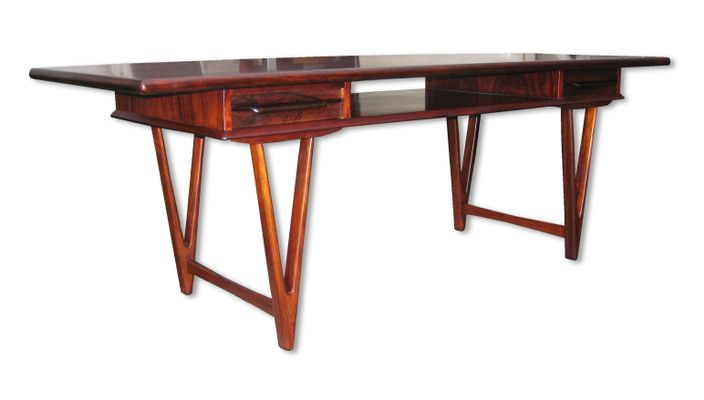 Model 32 Rosewood Coffee Table By E.W. Bach For Toften Furniture Factory,  1960s 1