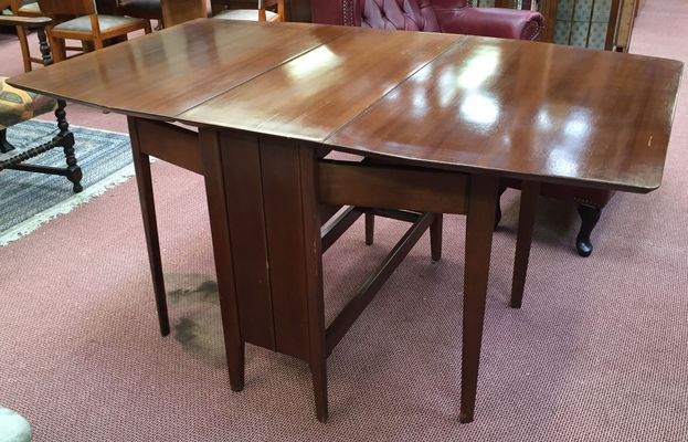 Walnut Gateleg Table, 1970s 1