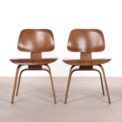 DCW Walnut Plywood Dining Chair by Charles & Ray Eames for Herman Miller,  ...