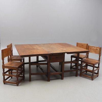 Esszimmerset Mit Tisch Und Vier Stühlen Aus 18. Jhdt. Bei Pamono