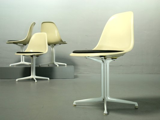 Fiberglass Side Chairs By Charles U0026 Ray Eames For Vitra, ...