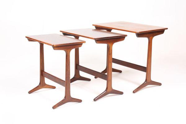 Mid Century Danish Rectangular Rosewood Nesting Tables, Set Of 3 1