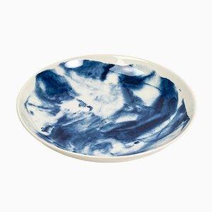 Piatto fondo Indigo Storm di Faye Toogood per 1882 Ltd