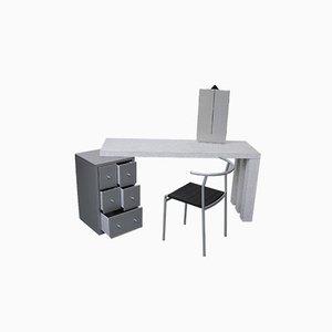 Dione Schminktisch von Antonia Astori De Ponti und Stuhl von Philippe Starck