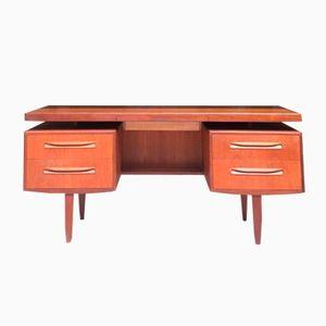 Teak Schreibtisch von Victor Wilkins für G-Plan, 1960er
