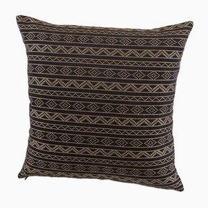 Cuscino Samburu decorativo color cioccolato di Nzuri Textiles