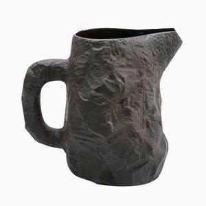 Brocca in basalto nero della serie Crockery di Max Lamb di 1882 Ltd