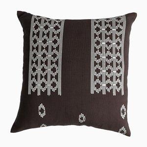 Coussin Edo Décoratif Marron et Blanc par Nzuri Textiles, 2015