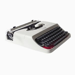 Italian 18 Typewriter by Carlo Grassi for Olivetti, 1960s