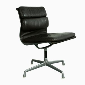 Leather Soft Pad Aluminumium Group Chair by Charles & Ray Eames for Herman Miller