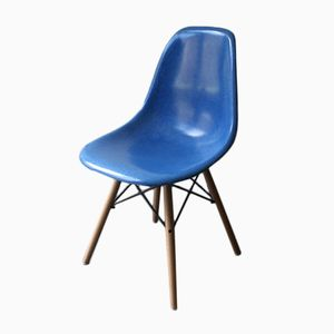 American Medium Blue DSW Chair by Charles & Ray Eames for Herman Miller, 1960s