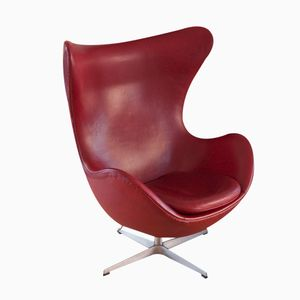 Vintage Crimson Egg Chair by Arne Jacobsen for Fritz Hansen