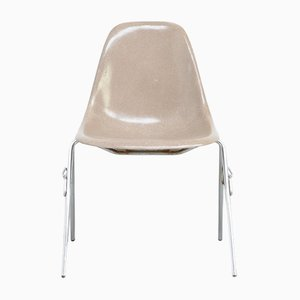 Fiberglass Side Chair by Charles & Ray Eames for Herman Miller