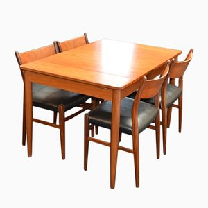Mid-Century Extendable Teak Table and Four Chairs from Pastoe