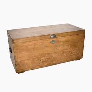 Große Kiste aus Fichtenholz & Metall, 1900er
