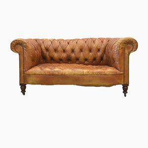Cognacfarbenes Englisches Vintage Zwei-Sitzer Art Deco Chesterfield Sofa, 1920er