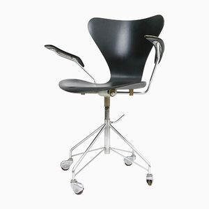 Vintage Danish Model 3217 Swivel Chair by Arne Jacobsen for Fritz Hansen, 1950s