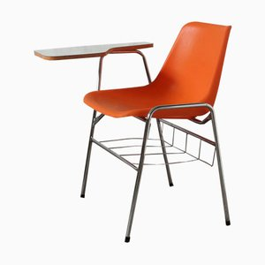 Sedia da scuola con tavolinetto di Robin Day per Hille / Maga, anni '70