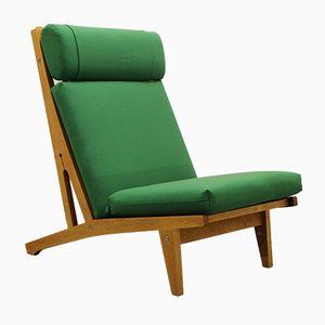 Dänischer Eiche Sessel mit Grünen Kissen von Hans J. Wegner für Getama, 1960er