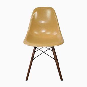 Ockerfarbener DSW Stuhl von Ray & Charles Eames für Herman Miller, 1960er