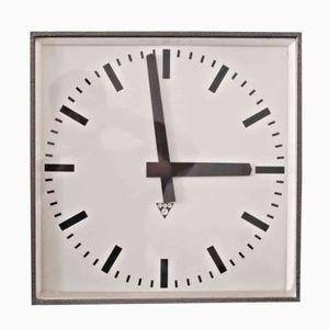 horloges industrielles en ligne achetez horloges industrielles sur pamono. Black Bedroom Furniture Sets. Home Design Ideas