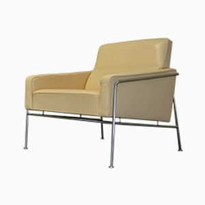 Vintage Cream Leather Series 3300 Lounge Chair by Arne Jacobsen for Fritz Hansen
