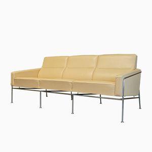Cremefarbenes Vintage Ledersofa aus Serie 3303 von Arne Jacobsen für Fritz Hansen
