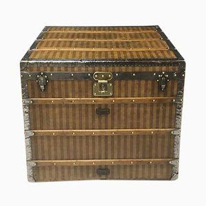 Coffre Antique à Rayure de Louis Vuitton