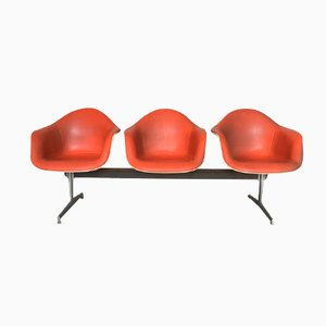 Mid-Century Fiberglas & Kunstleder Bank von Charles & Ray Eames für Herman Miller