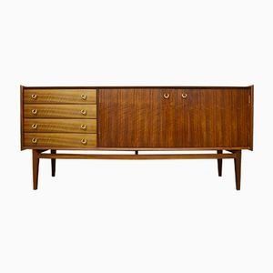 Mid-Century Nussholz Sideboard von Younger