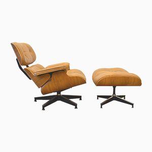 Nussbaum Lounge Stuhl mit Fußhocker von Charles & Ray Eames für Hermann Miller, 1970er