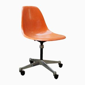 Vintage Orange Eames Side Chair with Swivel Base from Herman Miller