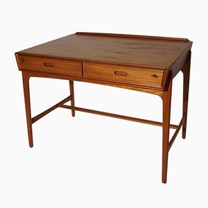 Mid-Century Model 200 Desk by Svend Aage Madsen for Sigurd Hansen