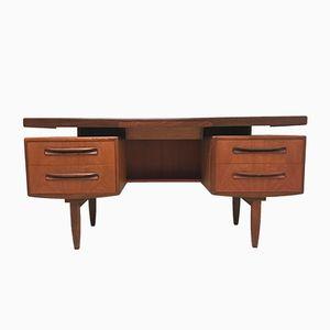 Schreibtisch mit Griffen aus Teak von V. Wilkins für G-Plan, 1960er