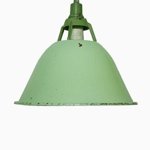 Große Industrielle Vintage Hängelampe in Leuchtendem Grün, 1960er