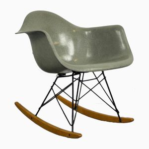 Mid-Century Schaukelstuhl von Charles & Ray Eames für Herman Miller