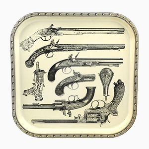 Italienisches Metall Tablett mit Pistole Motiv