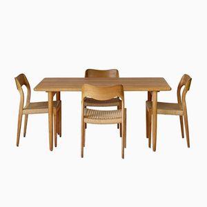 Modell 71 Eiche Esszimmerset aus Stühle & Tisch von Niels Møller für J.L. Moller, 1960er