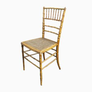 Antiker Holzstuhl mit Geflochtenem Sitz