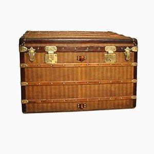 Coffre Antique à Rayures de Louis Vuitton