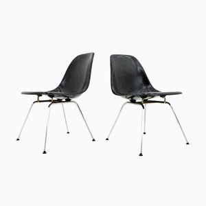 Chaises d'Appoint Noire en Fibre de Verre avec Base Basse en H par Charles & Ray Eames, Set de 2