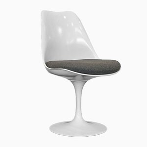 Vintage White Tulip Chair by Eero Saarinen for Knoll