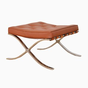 Ludwig mies van der rohe for Tabouret barcelona